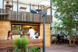 新宿の真ん中にできた『ローカルと都市を繋ぐ』新たな形のカフェ|バスあいのり3丁目テラス